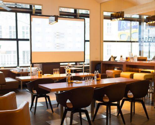 Presserkonferenz in der Eventlocation lutz - die bar Wien